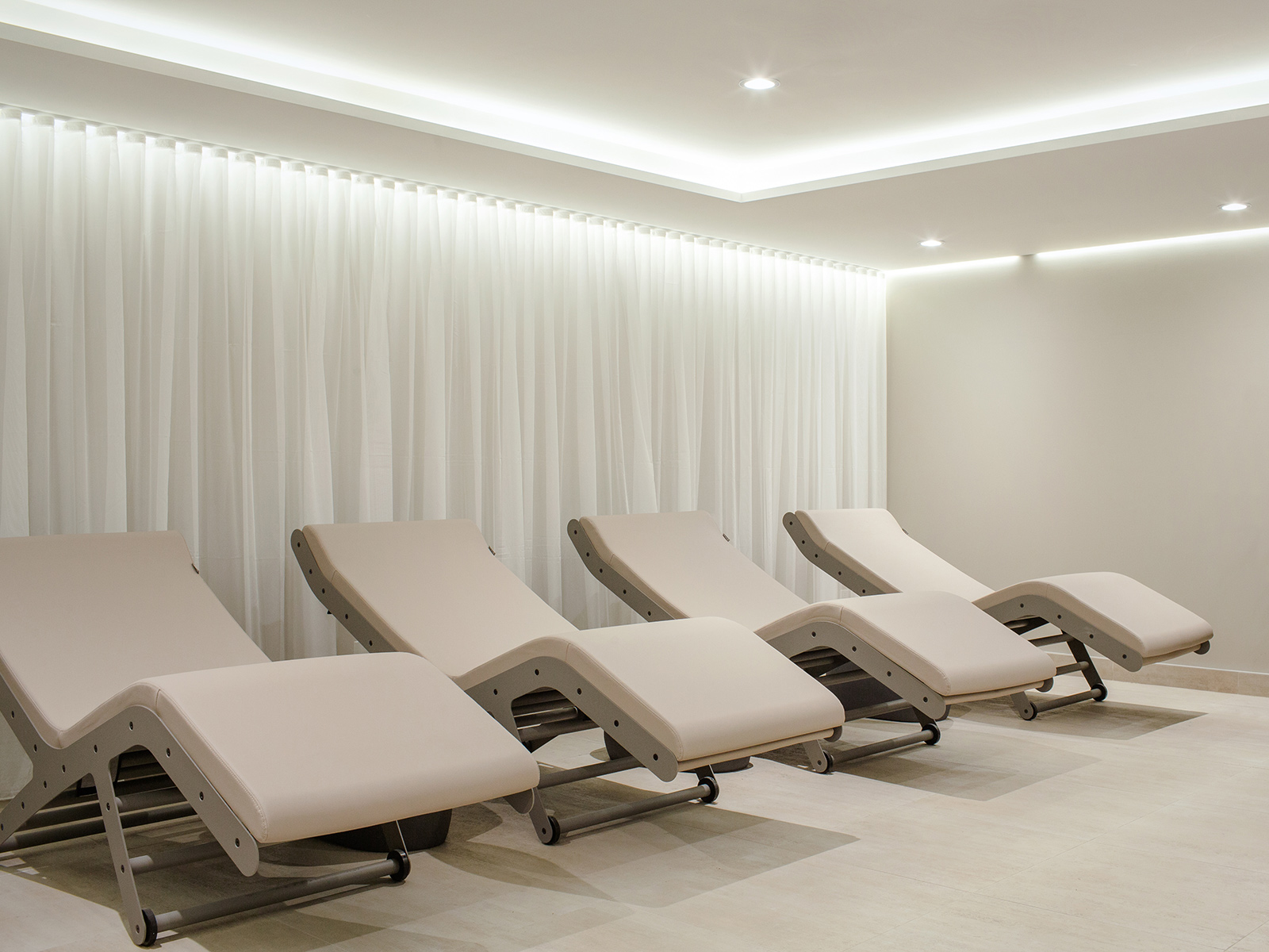 Relaxation room in the thermal circuit of Spa William Gray